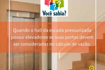 Hall de escada pressurizada com elevadores